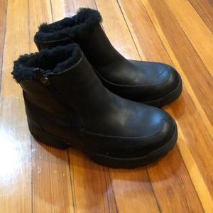 Uggs great condition.  Slight scratch see photo